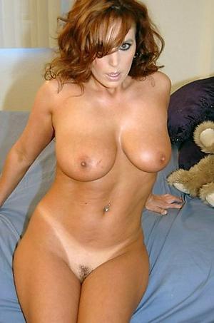 Naked pulchritudinous mature pussies