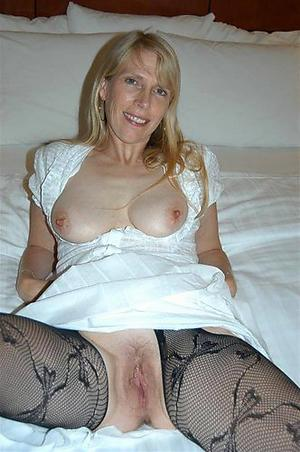 Best pics of mature mom solo naked photos