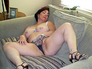 Mature solo pussy porn pics