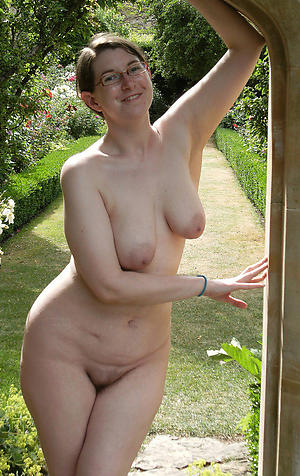 Nude  mature unartificial pussy