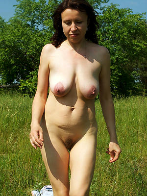 Curvy mature women X-rated