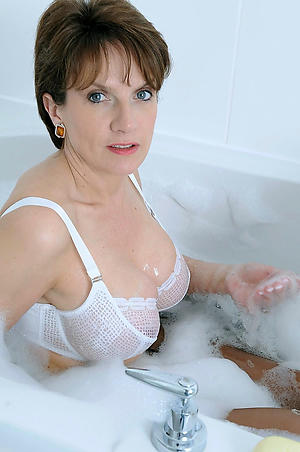Amateur pics of 40 year old mature