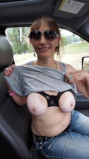 Amateur pics of mature sex in car