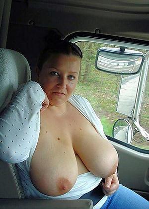Naked mature take car fotos