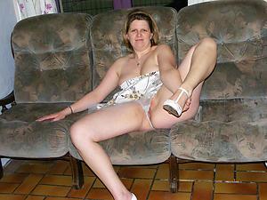 Mature trotters spread porn pics