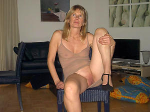 Naked mature single women pics