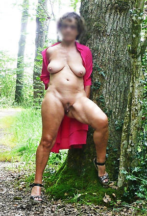Hottest mature milf in heels nude photos