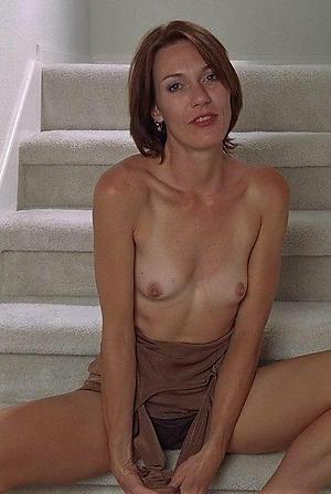 Mature nude small tits porn pics