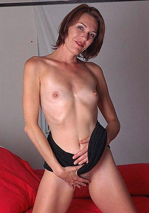 Amateur pics of grown-up nude small titties
