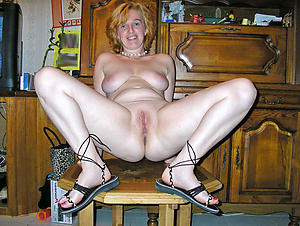 Naughty white mature moms uncovered pictures