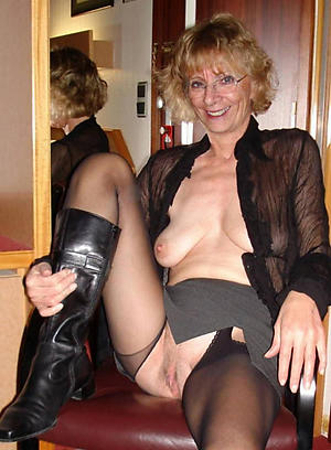 Sopping pussy saggy mature women pics