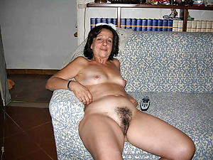 Busty mature sluts naked pictures