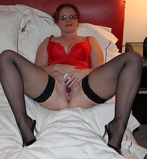 Slutty mature with glasses nude pics