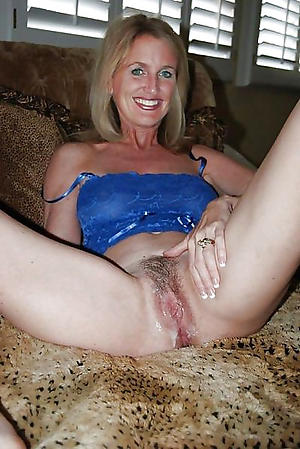 Favorite unshaved mature pussy cold