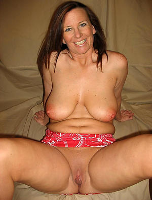 Mature go steady with nude fotos