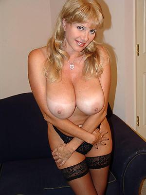 Hottest prexy mature mom nude pics