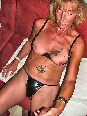 Naked tattoed adult women pics