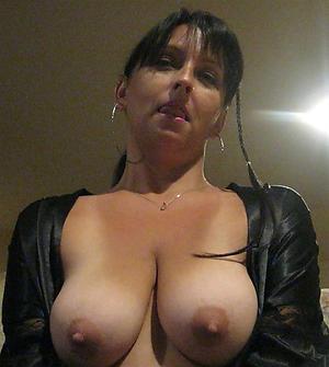 Hottest nude mature selfshots