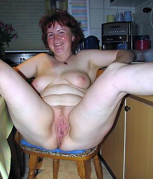 Crude mature homemade porn pics