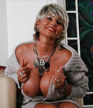 Naked sexy mature women big pair