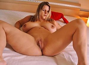 Amateur pics of mature chubby women