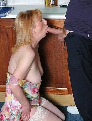 Free pics of amateur mature blowjobs