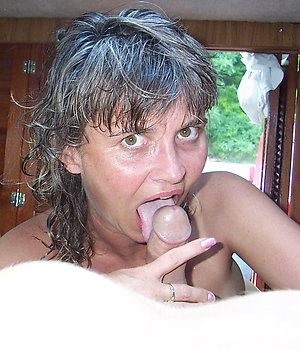 Busty old mom blowjob photos