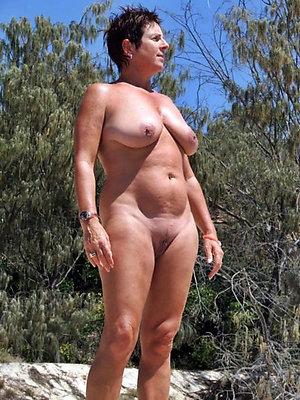 Bitchy chubby wife porn pics