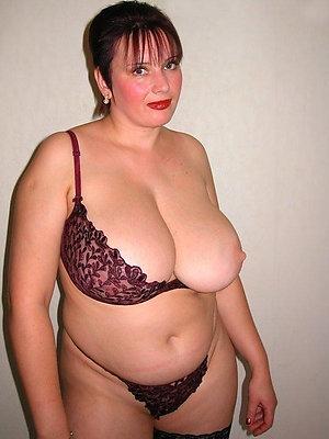 Busty chubby mom pics