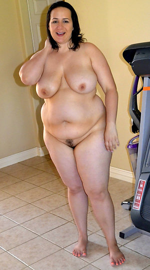 Older chubby mom pussy porn pics