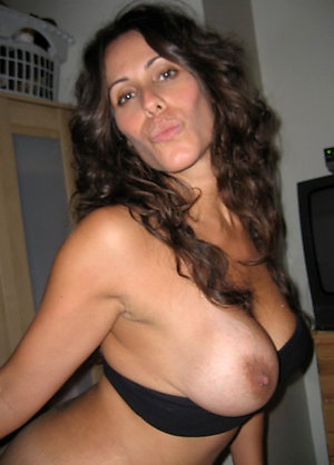 Amateur pics of beautiful brunette women