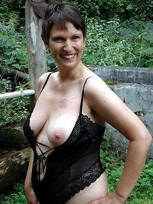 Sexy brunette old lady amateur pics