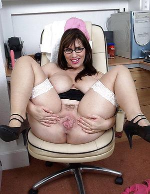 Perfect brunette mature milf porn