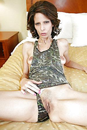 Amazing brunette older milf pics