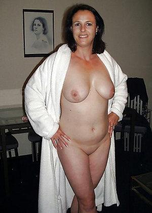 Sweet nude mature brunettes