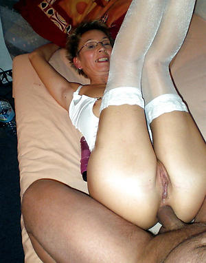 Naked mature butt fellow-feeling a amour pics