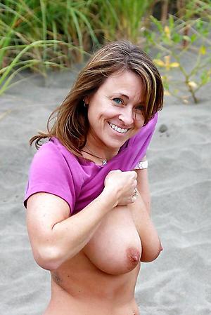Free mature naked beach pics