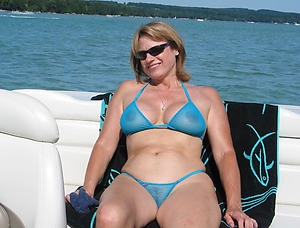Hot mature women in bikini free porno