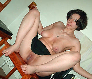 Amateur sexy grown-up feet porn pics
