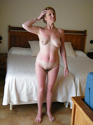 Naughty mature amateur wife porn pics