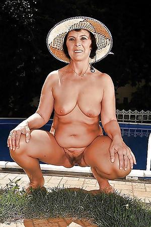 Sexy mature grandmothers slut pics