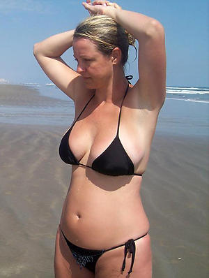 Slutty grown-up bikini photos