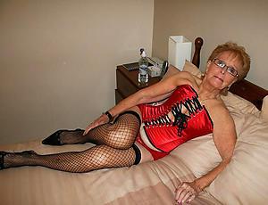 Naked older mature woman photos