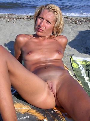 Wet mature german pussy pics