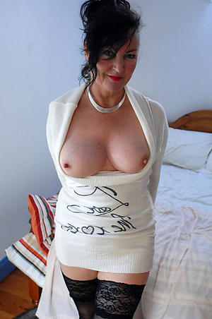Hot porn of mature cougar pussy