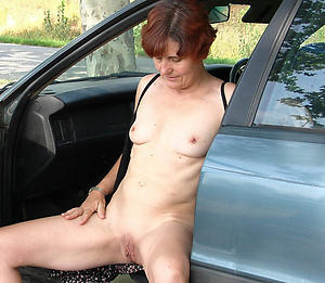 Wet pussy mature with passenger car pics