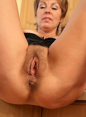 Naughty mature women vagina basic pics