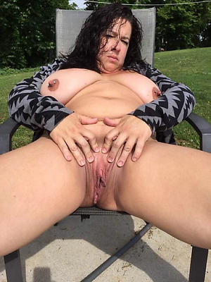 Hottest sweet mature pussy basic pics