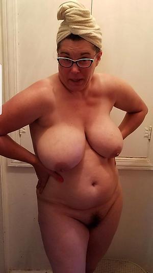 Slutty mature women big tits naked photos