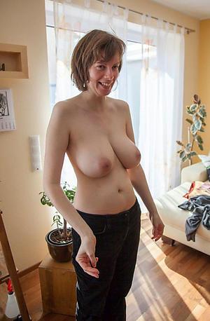 Sexy mature busty milfs slut pics